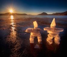 ice, inukshuks, dawn, sunrise, frozen, lake, quabbin reservoir, massachusetts, patrick zephyr, winter