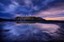 nubble light, lighthouse, maine, sunrise, ocean, reflection