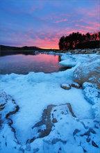 Quabbin reservoir, winter, ice, sunrise