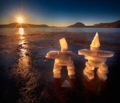 ice, inukshuks, dawn, sunrise, frozen, lake, quabbin reservoir, massachusetts, patrick zephyr, winter