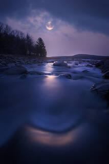 Catching Moonlight