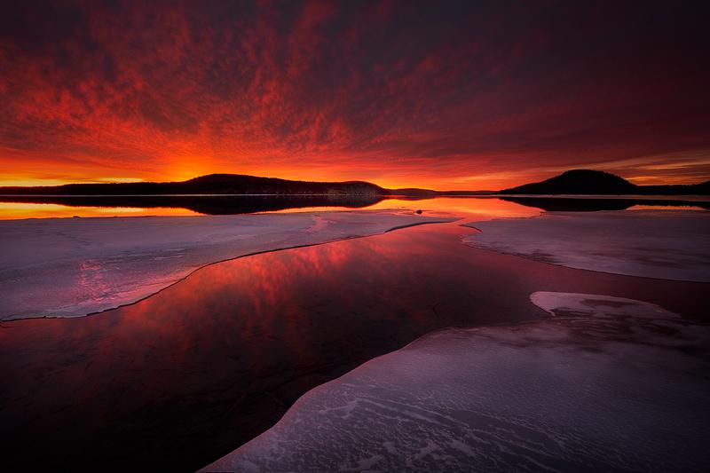 quabbin reservoir, massachusetts, sunrise, winter, ice, pink, photo