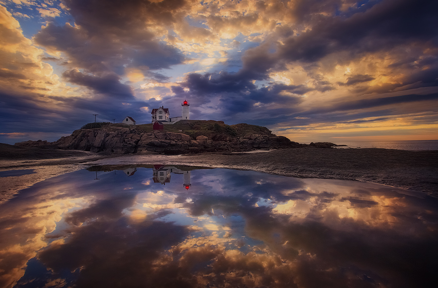 lighthouse, Maine, sunrise, dawn, Maine, Nubble Light, York, Patrick Zephyr, reflection, photo