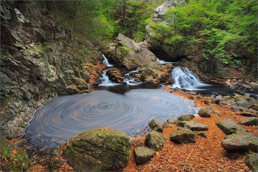 Bear's den, new Salem, Massachusetts, waterfall, autumn, photo