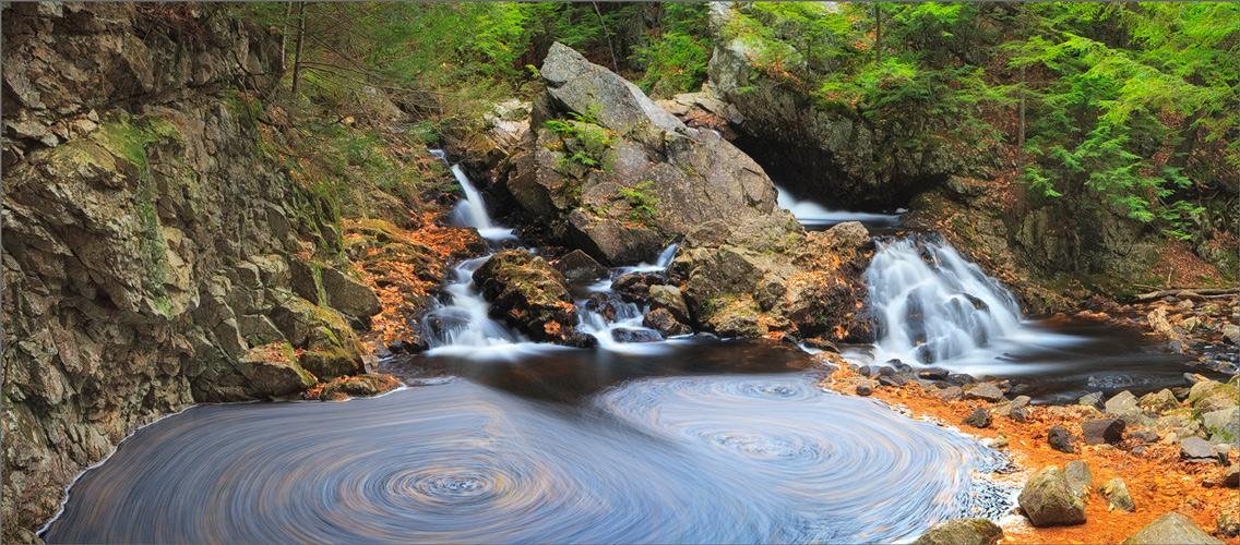 Bear's den, autumn, waterfall, new Salem, Massachusetts,, photo
