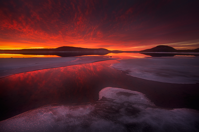 Quabbin Reservoir, Massachusetts, sunrise, fire, dawn, ice, winter, patrick zephyr, photo