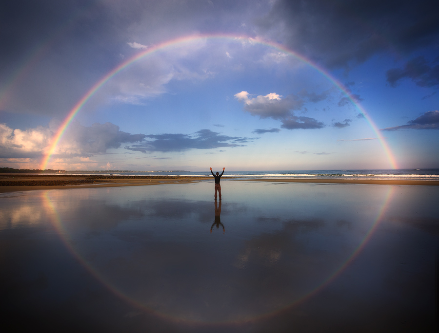 One of my most memorable rainbow chases !! It lasted about 1/2 hour!! Yup, that is me in there :-)