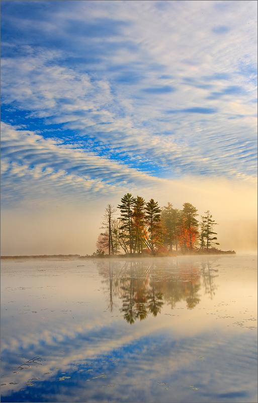 Harvard pond, petersham, Massachusetts, island, fog