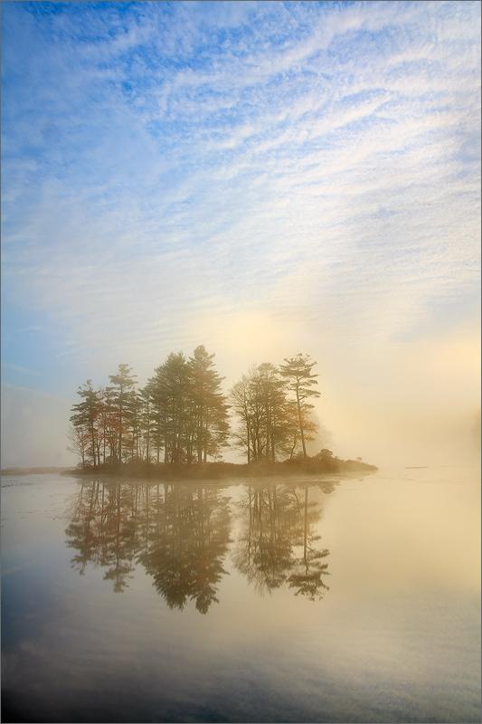 Harvard pond, petersham, Massachusetts, island, fog, photo