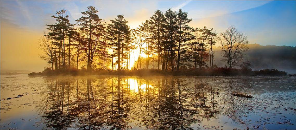 Harvard pond, petersham, Massachusetts, island, sunrise