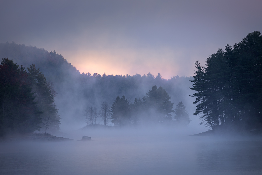 Another capture from my forst morning with this Island. I'm looking forward to many more fog filled mornings together.